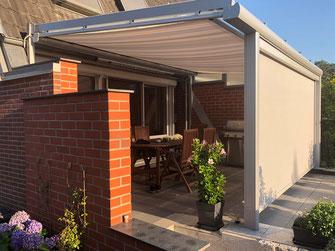 Terrassendachbeschattung: Unterdachmarkisen und Zipscreen