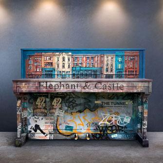 Piano custom customisation piano personnalisé tagué graffé graffiti art covering original artistique instrument musique peint à la main personnalisé street art graffmatt objet déco urbain