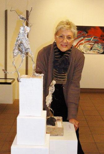 Dagmar Dölling  mit 2 eigenen Objekten .. Ausstellung Parallelwelten