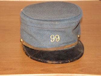 "Képi ""bleu horizon"" d'un poilu du 99e R.I. (1916)"