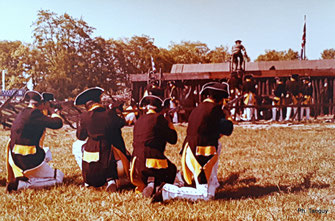 Reconstitution de l'assaut de la redoute n°9 à Yorktown (Fonds Tanguy)