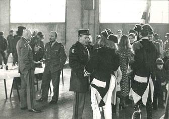 Au centre, le LCL de HALDAT du LYS, commandant en second du 99e R.I.