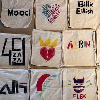Schablonengraffiti auf Textil
