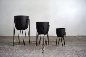 Mid Century Modern Design Hairpin Leg Planter Plant Stand Black