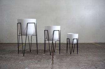 Mid Century Modern Design Hairpin Leg Planter Plant Stand White