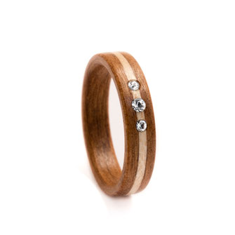 Holzring Kirschholz Ahornlinie Swarovski Kristalle, Hochzeitsring Verlobungsring, Ehering