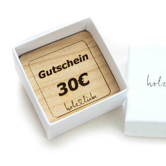 Geschenkgutschein aus Holz, Holzschmuck, Holzringe Ringschachtel Ringbox aus Karton www.holz-liebe.at