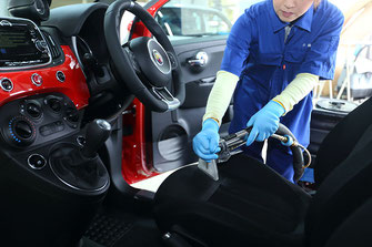 クリーナーでシート洗浄|車内クリーニング【カーフレッシュ新潟】
