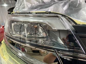 施工例1:ヘッドライト/車のボディ(塗装面)プロテクションフィルム貼り【カーフレッシュ新潟】