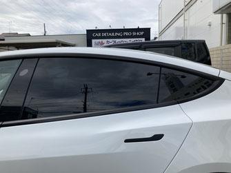 施工例:テスラモデル3(施工後)車のガラススモークフィルム貼り【カーフレッシュ新潟】