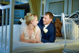 romantische Hochzeitsfotos Neufahrn, emotionale Hochzeitsfotos Neufahrn, lustige Hochzeitsfotos Neufahrn