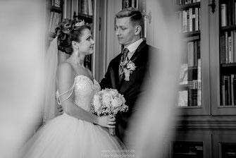 Hochzeitsfotos im Schloss Hofstetten,  Hochzeitsfotografie Ingolstadt, Foto und Video für Hochzeit in Ingolstadt, Kameramann Hochzeit Ingolstadt