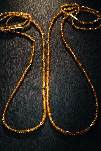 Zwei Ketten von Urte Hauck, Hemmingen. Citrin mit 750/-Gelbgold