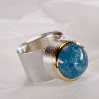 Ring, Turmalin/Bergkristall/Perlmutt, 750 /-Gelbgold, 925 /- Silber