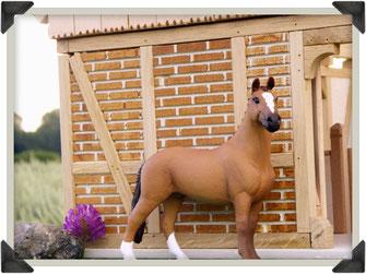 Maßstab Schleich Pferd