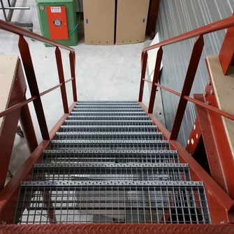 Escalier industriel sur mesure pour particulier et professionnel par ACMB en Poitou Charentes