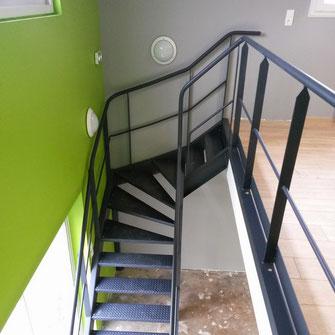 Escalier design sur mesure pour particulier et professionnel par ACMB en Poitou Charentes