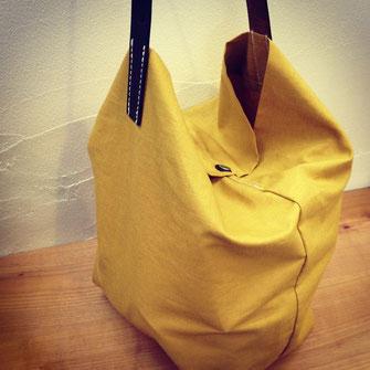 『すずらん鞄』さんに作って頂いたヘナバッグ