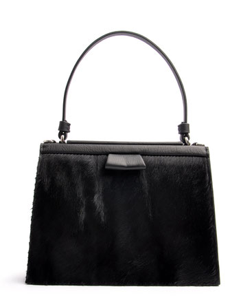 OSTWALD Bags . Finest Couture . Handcrafted Leatherbag . Fur .  Tote . Turtle Edge . colour black