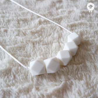 minimal blanc collier mini petit mouton