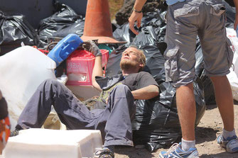COUP, 24 Hour, tired at beachcleaning, SOS Lanzarote, Cleaneroceanupcyclingproductions, #COUP, trashtag, Lanzarote Limpia, beach, clean, playa, limpia, Lanzarote, #Lanzarote