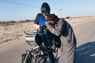 Oman by bike - lonelyroadlover