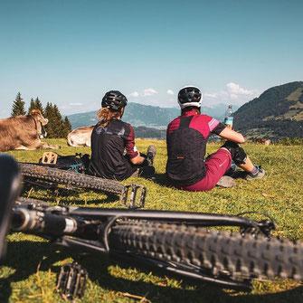 Biken mit Blick auf den Alpsee MTB Allgäu