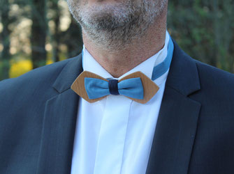 Noeud papillon bleu marine, noeud papillon sobre, noeud papillon bois tissu insolite, noeud papillon bois tissu uni, accessoire mariage