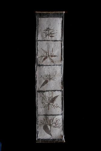 Brennnessel; 2008; 60cm; Pflanze in Papier geschöpft auf Gaze
