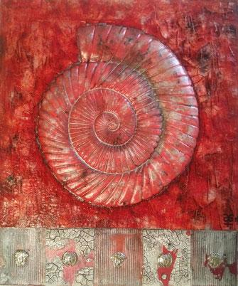 The Ammonit Project #3 Caracol rojo y Medusa 2019 (Acryl Mischtechnik auf Leinwand, Sumpfkalk, Marmormehl, Strukturpaste, Pigmente, Metall Applikationen und Gips Modellierung) 50x60x4