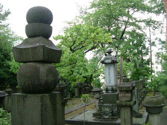 植村家墓所の写真