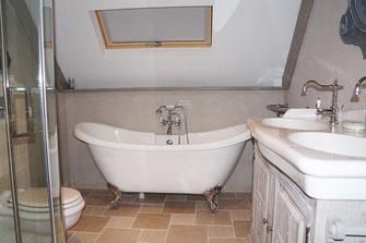Badkamer Met Dakraam : Projecten badkamerdesign weert