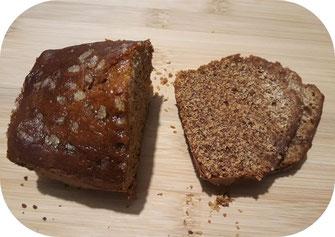 Pain d'épices de 350 grammes de l'Abeille villadéenne avec farine de seigle bio et locale, miel de tournesol, eau, bicarbonate et épices bio. Fabrication artisanale avec miel de la production