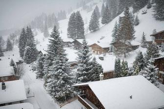 Ferienhaus im Schnee, Kandersteg, Schweiz