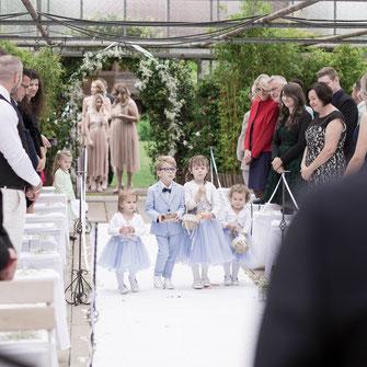 Fotograf, Videograf und Kamerateam für Foto und Video von Hochzeiten in Schotten