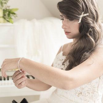 Videograf in Friedberg bei den Vorbereitungen der Braut und des Bräutigams