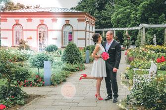 Hochzeitsfotograf, Videograf oder Kameramann in Frankfurt für authentische Hochzeitsfotos und -Videos als Reportage oder mit nachgestellten Szenen