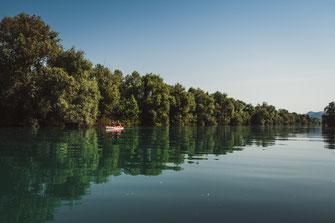 Mit dem Boot in Montenegro am Skadarsee paddeln kostenlos herunterladen