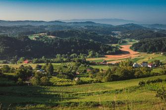 Dorflandschaft vor Maribor in Slowenien kostenlos herunterladen