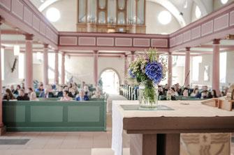 Hochzeitsfotograf, Videograf oder Kameramann in Schlüchtern für authentische Hochzeitsfotos und -Videos als Reportage oder mit nachgestellten Szenen