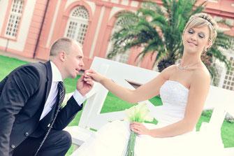 Hochzeitsfotograf, Videograf oder Kameramann in Mainz für authentische Hochzeitsfotos und -Videos als Reportage oder mit nachgestellten Szenen