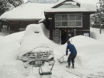 古民家で雪かき