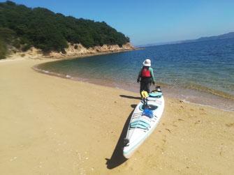 梶子島の砂浜 知らずに上がってしまった