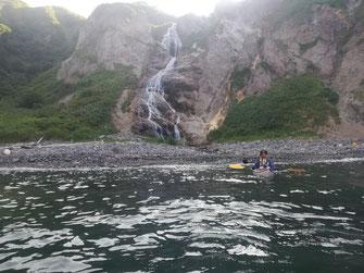 シシャモナイ滝