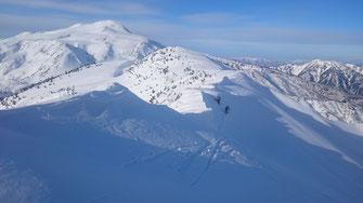 白山御前峰が近い