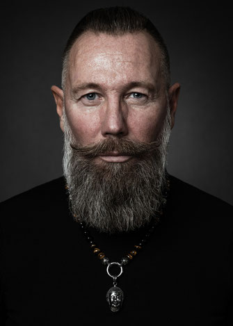Männerportrait - Foto: Michael Schnabl