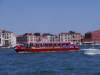 City-Sightseeing Venezia; Markenzeichen: rotes Boot