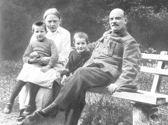 Н.К.Крупская и В.И.Ленин