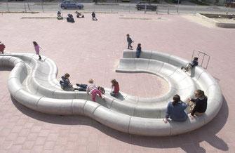 betonnen bank, betonnen zitelement, beton amsterdam, beton hoofddorp, beton haarlem