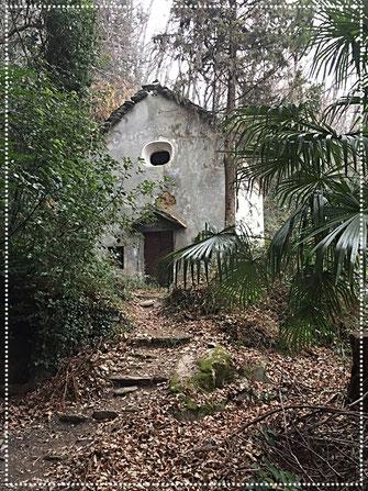 Kapelle zwischen Cannero und Carmine Sup.